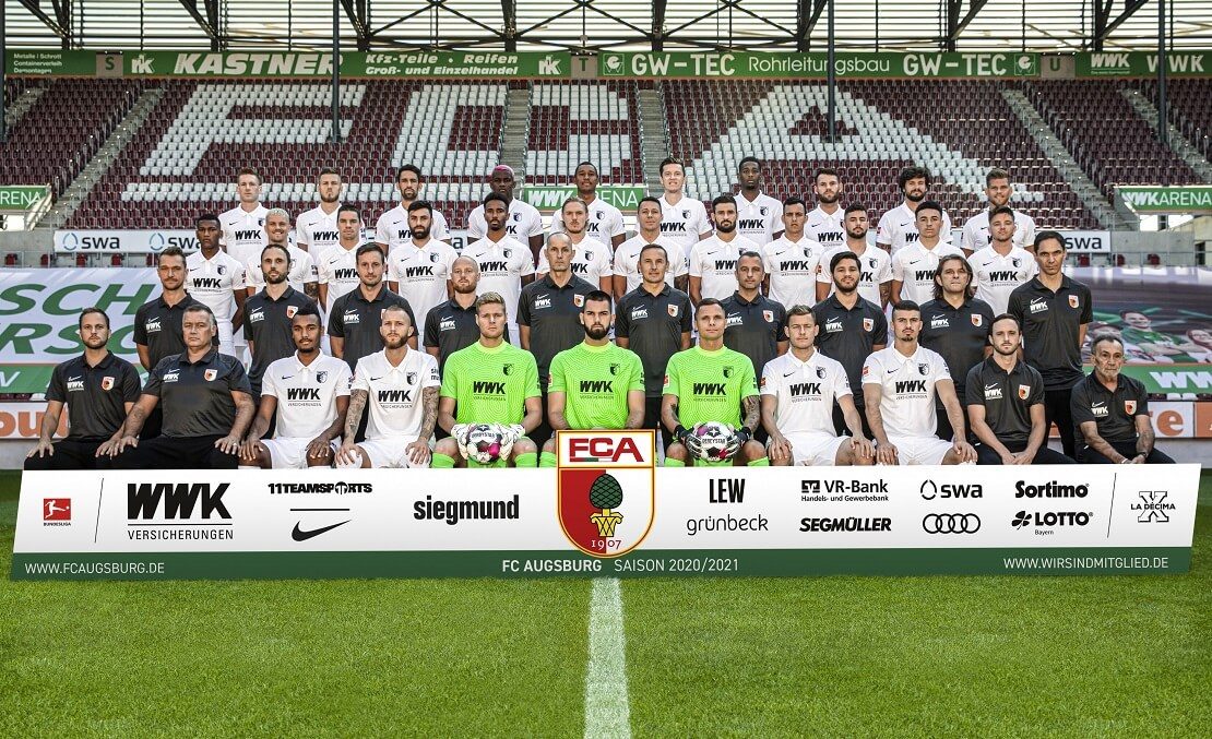 Mannschaft und Trainerteam des FC Augsburg