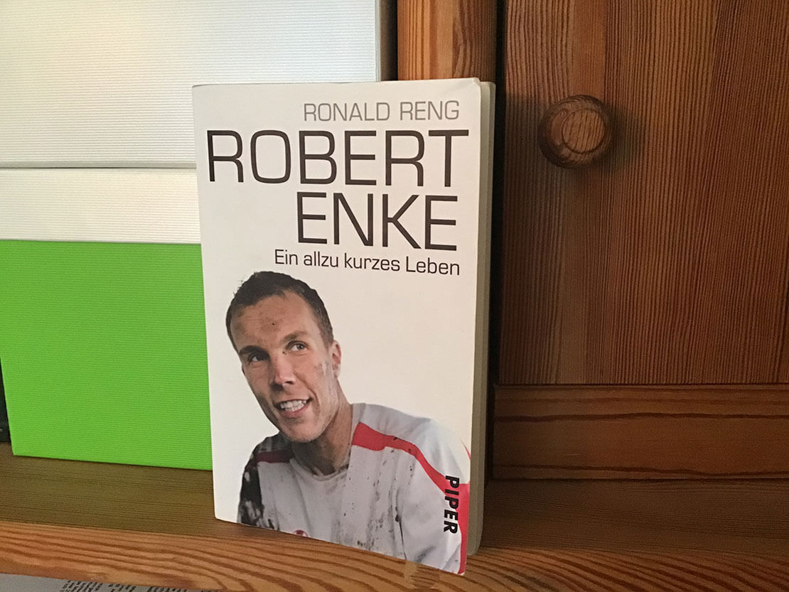 "Buchcover ""Robert Enke - ein allzu kurzes Leben"""