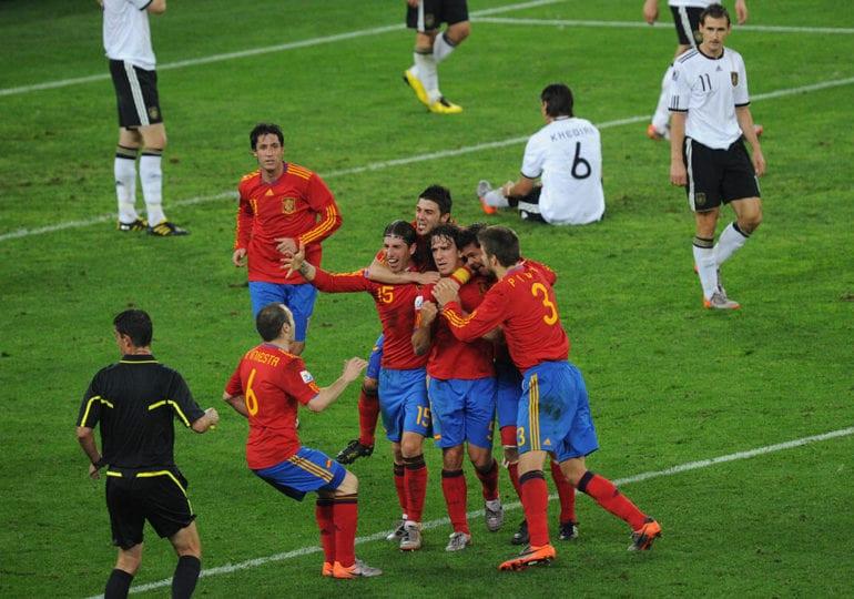 Vor zehn Jahren: Als Deutschland gegen Spanien chancenlos war