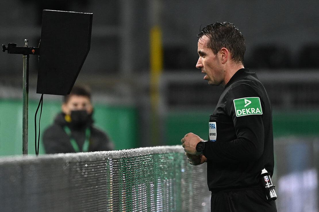 Tobias Stieler VAR (AFP)