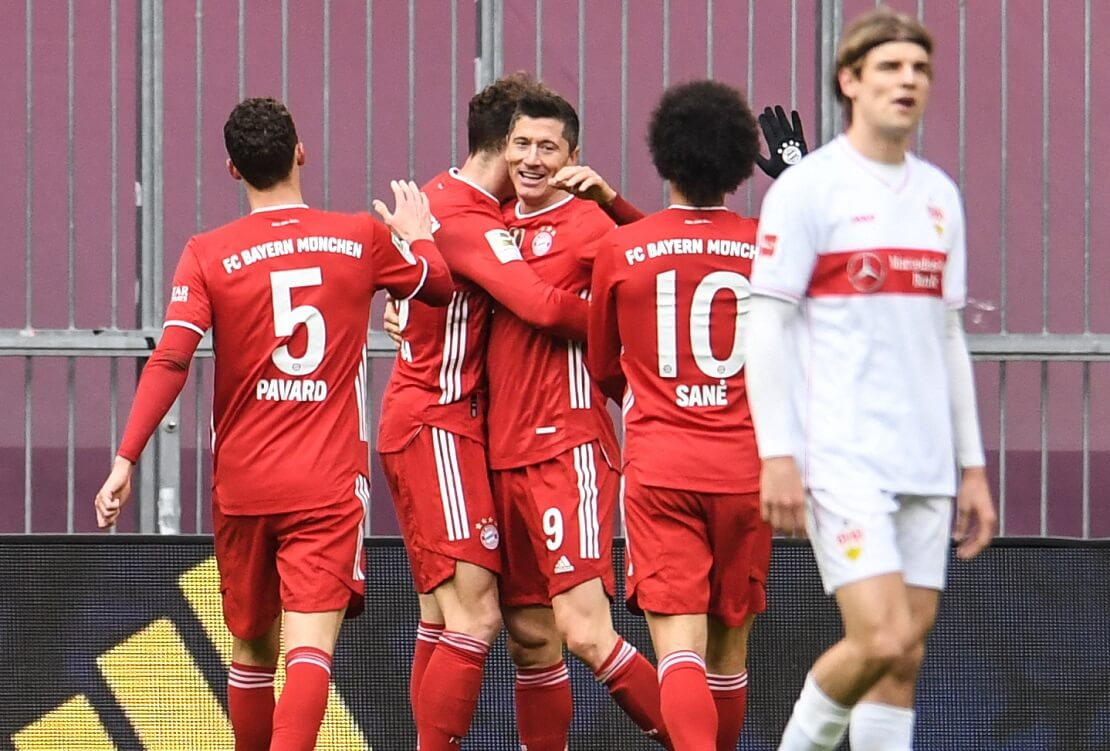 Torjubel der Bayernspieler gegen Stuttgart